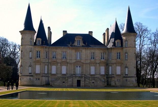 Информация о методах изготовления вина в регионе Бордо.