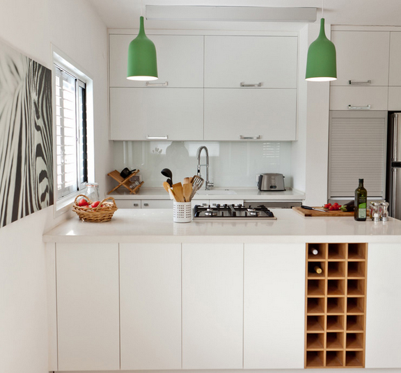 В кухонном гарнитуре